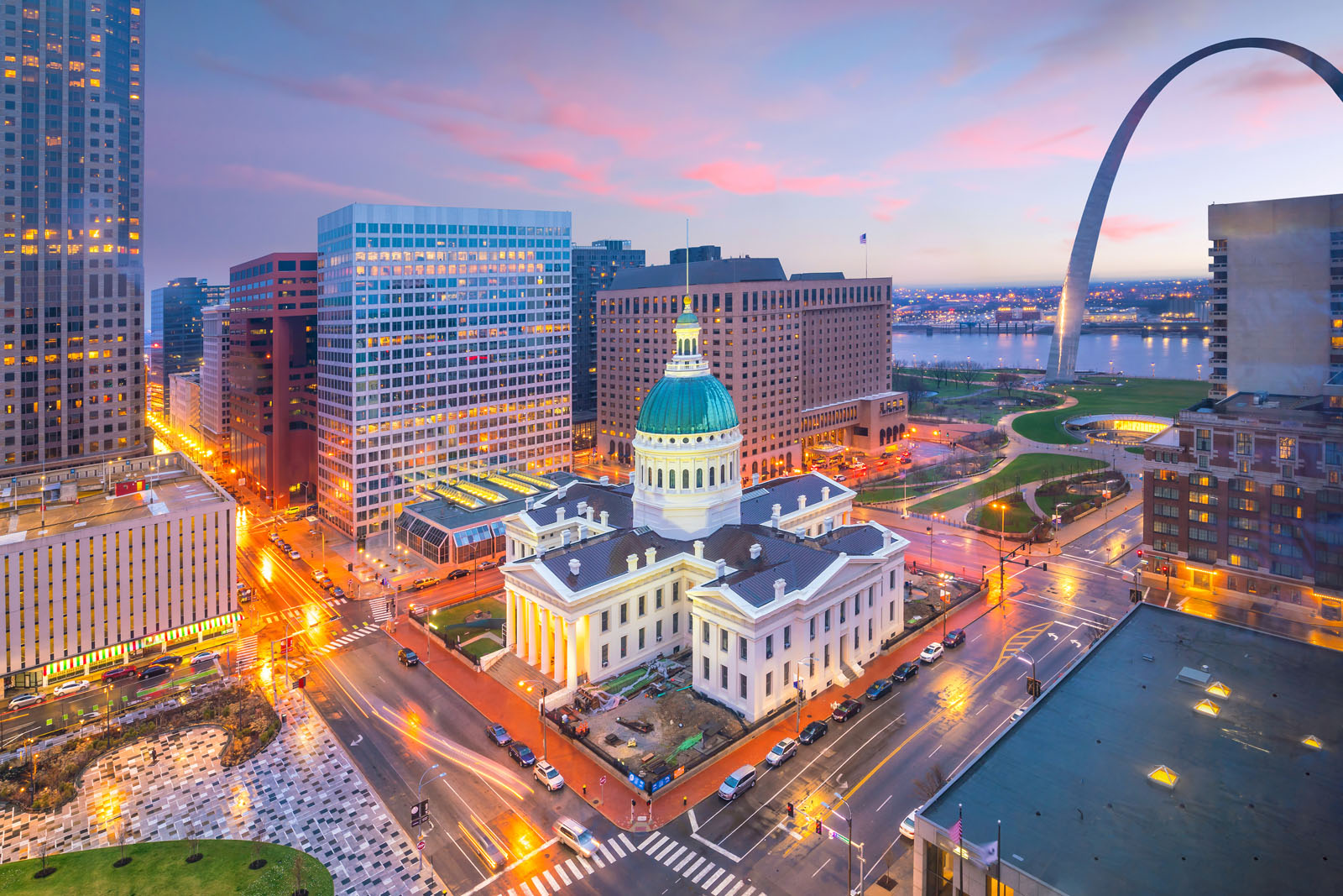 Moving to St Louis? Tips for Relocation to Our Region